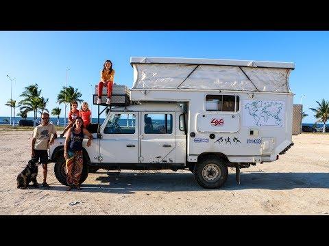 Vivre à 6 dans un Land Rover Defender 130 [House Tour] - Family Coste
