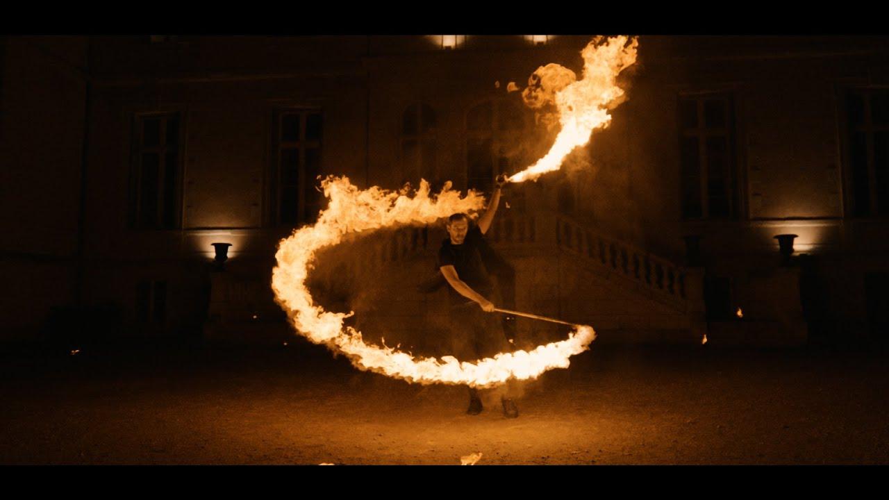 Spectacle de feu au château de Vair - Compagnie CHK1 (jongleur de feu et pyrotechnie).