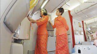 Kesibukan Pramugari Cantik Garuda Indonesia Pesawat Boeing 777-300ER Jakarta - Bali
