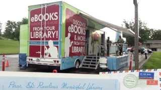 The Digital BookMobile stops in Pierre, SD!