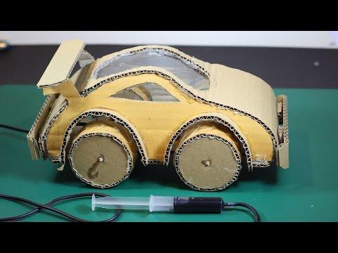 Faire une voiture hydraulique à l'aide de carton