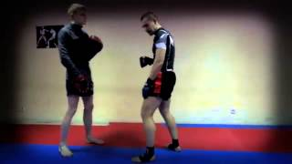 Как научиться драться  Нырок с ударом How to learn to fight  Pochard with a