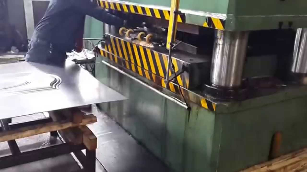 Steel Security Doors Hydraulic Press 2000 Tons Door Panel