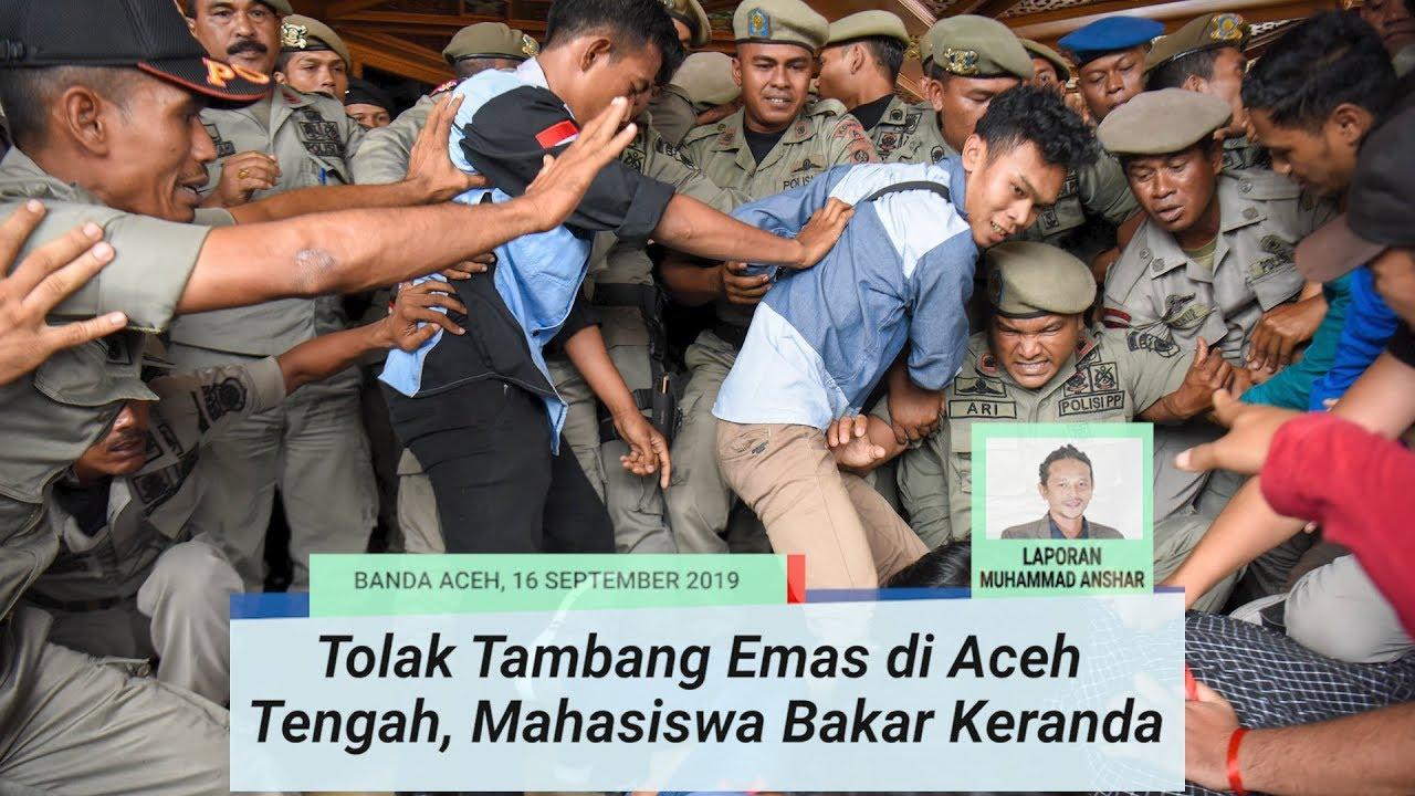 Tolak Tambang Emas Di Aceh Tengah Mahasiswa Bakar Keranda Di Halaman Kantor Gubernur Youtube