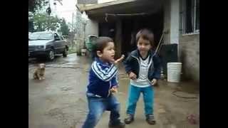 Лучшие танцоры мира(Лучшие танцоры мира!!! Такие маленькие такие говнистые., 2012-12-24T13:48:44.000Z)