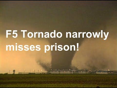 F5 tornado narrowly misses Texas prison