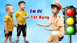 Em Bé Tốt Bụng Giúp Đỡ Mọi Người - Bài Học Cho Bé ♥ Min Min TV Minh Khoa