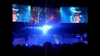 Alicia Keys live 2013 - Concert Intro then Karma - Birmingham NIA