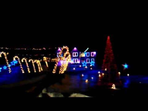 Christmas lights show in auburn Maine 2016