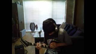 13歳がヴァンヘイレンのギターソロをカバー! 多少ミスがありますが、ま...