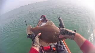Pêche en kayak, Arromanches, 28 août 2017, touches violentes poissons plats et une surprise à la fin