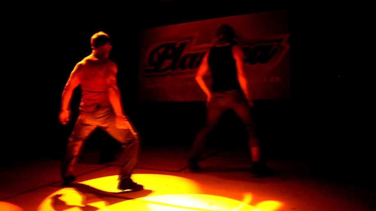 мужской стриптиз танцы на ютубе
