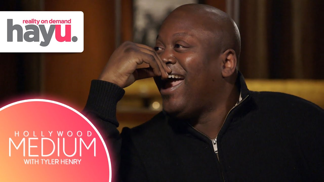 Download Tituss Burgess Makes A Shocking Discovery During His Reading   Season 3   Hollywood Medium