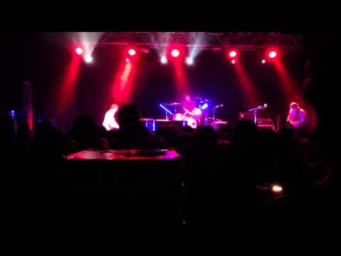 ben folds five a music trio playing punk and alternative sounds