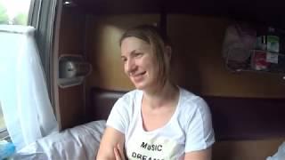 Путешествие семьей на поезде из Красноярска в Москву / Видео