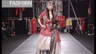 VIVIENNE WESTWOOD Fall 2004 2005 Paris - Fashion Channel