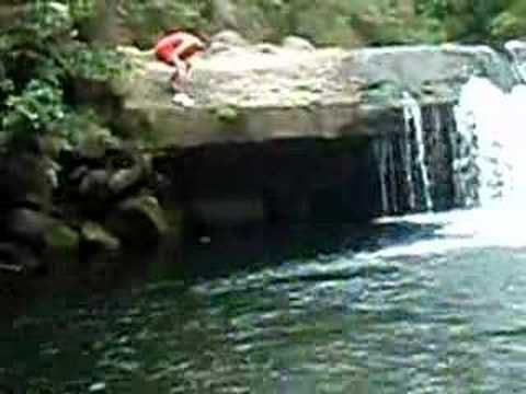 Maui Waterfall Jump - small