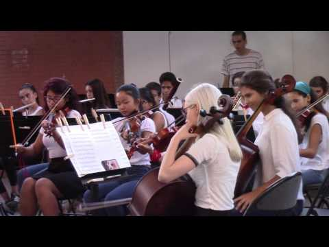 Música per als Reials Focs d'Artifici. Orquestra Simfònica EMMCA. (close up) Gornal. 2017