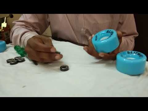 How to Insert/Remove Bearings in Roller Skates - Hindi