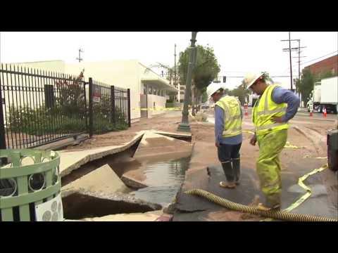 Water main break closes portion of Cahuenga Blvd  in Hollywood
