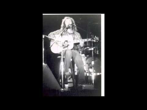David Crosby 1973 telling a person to shut-up in middle of song Orlando,Fl