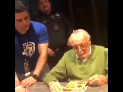 Stan Lee being told how to spell his name when signing at Silicon Valley Comic Con