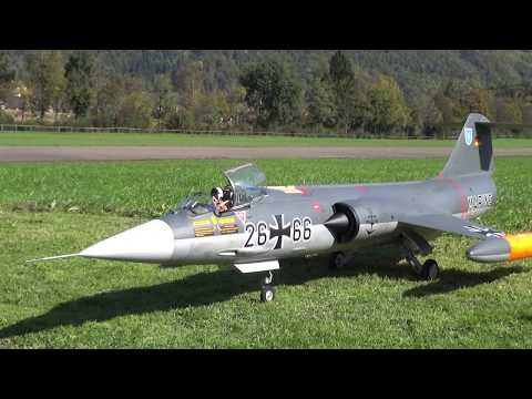 HUGE RC TURBINE JET STARFIGHTER F-104 FLIGHTDAY 2017 HAUSEN