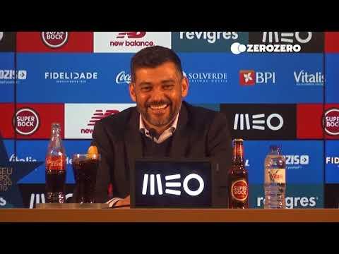 Sérgio Conceição ouviu o hino do FC Porto e não conseguiu parar de se rir