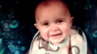 Малыш плачет под песню мамы