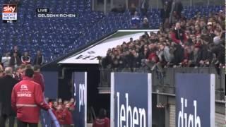 FCN-Spieler stellen sich den Fans nach Abstieg (Schalke - Nürnberg)