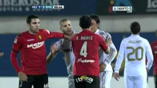 Özil & Benzema Fight vs Ramis ( Mallorca vs Real Madrid ).avi