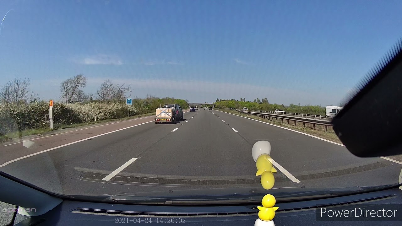 Tyre in middle of M5 motorway