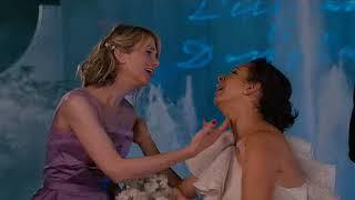Wilson Phillips at the Wedding.   Bridesmaids (2011)