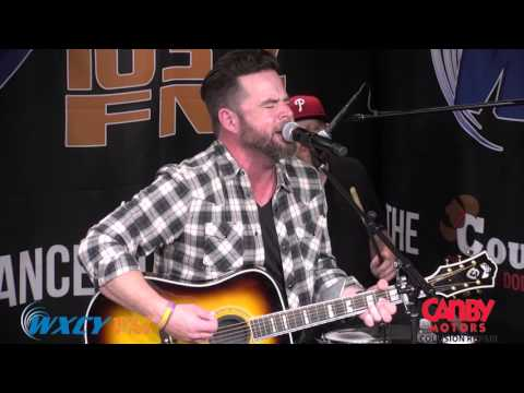 "David Nail - ""Red Light"" LIVE from the Country Chrysler Performance Stage at WXCY"