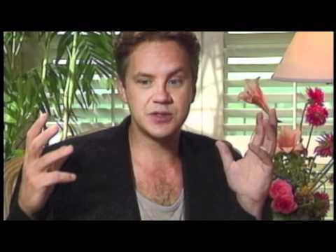 Interview with Tim Robbins for 1992 film Bob Roberts - YouTube