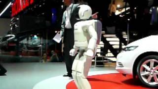 Asimo - Geneva Motorshow March 2009