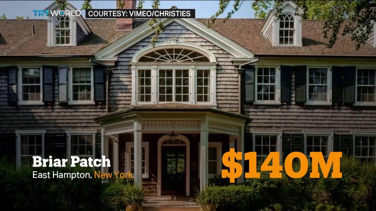 money talks playboy mansion sold for 100m dewi preece. Black Bedroom Furniture Sets. Home Design Ideas