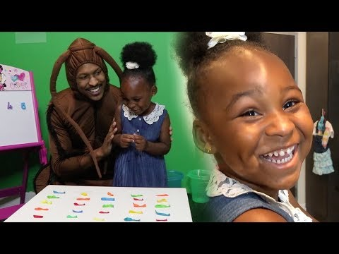 3 YEAR OLD teaches COUNTING and COLORS! 🐝👶🏽🦗| Brazil & Friends