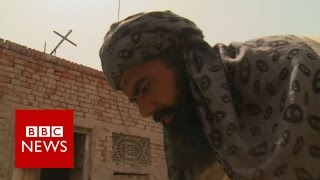 Pakistani Muslims build Christian church - ḂBC News