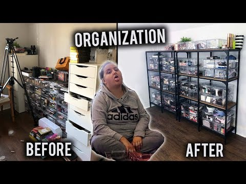 CLEANING & ORGANIZING MY CLUTTERED MAKEUP ROOM