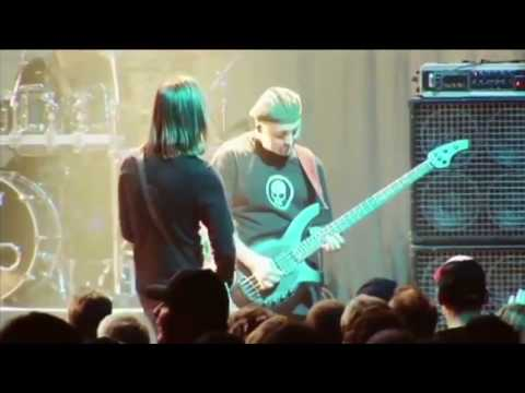 Porcupine Tree- Arriving Somewhere But Not Here (Lyric Video)