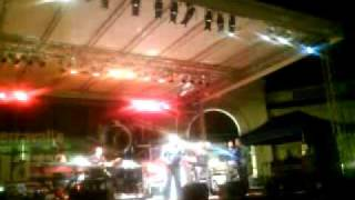 Live from Serravalle Outlet in Jazz 2009.