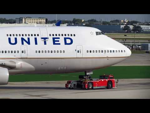 United Airlines Boeing 747-400 [N179UA] - High-Speed Tow & Reposition [07.20.2016]