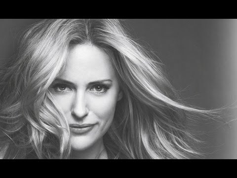 Aimee Mullins, Athlete, Model, Keynote Speaker, Robinson Speakers Bureau