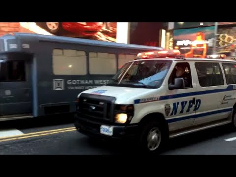 NYPD Auxiliary Police Van Responding Code 3 Against Traffic On 42nd