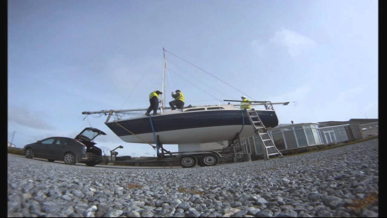 How to Raise a Mast without a Crane - YouTube