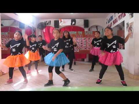 "MUEVE EL TOTO - COREOGRAFIA ""DANCING TO LIVE"""