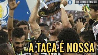 É festa! Após goleada, Corinthians recebe taça de Hexacampeão