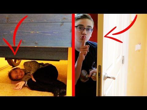 Cache-cache dans une Chambre d'Hôtel GÉANTE !