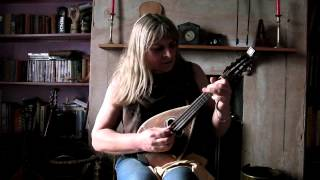 Gina Le Faux plays the Gigue from the Cello Suite No2 by J.S. Bach on Mandolin